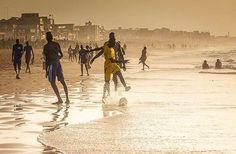 Yoff Layene, Dakar #senegal | Bon courage à nos Lions de la Teranga #can2017 ⚽️ w/ @movingsushi
