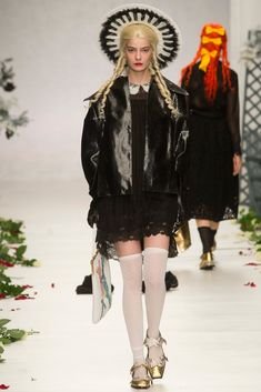 Meadham Kirchhoff Spring 2014 Ready-to-Wear Collection Photos - Vogue
