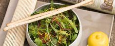 Mesclun salade met bergamot #amanprana #noblehouse #bio #gezond #natuurlijk #salade #bergamot #tarwekiemen #rauw #happyperilla #olie #olijf #olijfolie #hermanoscatalan #kruiden #botanicomix #spicy