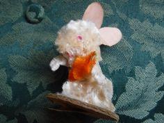 Vintage 1950's Fluffy EASTER BUNNY RABBIT & CARROT Chenille Spun Cotton Japan