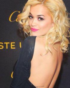 Rita Ora es Mia Grey