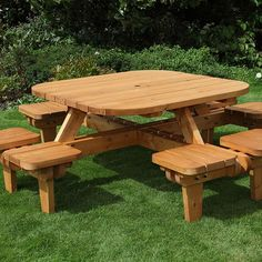 This Round Picnic Table Seats Up To People Comfortably On Its - Picnic table seats 8