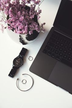 #wandelia #drevenehodinky #office #officestyle #style #inspiration #notebook #flower #flowers #black #blackstyle #accessories #doplnky #hodinky #laimer Office Fashion, Daniel Wellington, Notebook, Style Inspiration, Watches, Outfit, Flowers, Accessories, Black