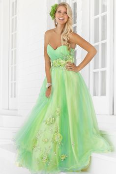 "Start out searching for your perfect long maxi strapless light green prom dress by flipping through magazines and online to see what kind of dress you are most attracted to. Then hit the stores with an idea in mind of what you are looking for. Try on as many dresses as you can; your idea of the ""perfect dress"" may not be as well suited for you as another style. Don't limit yourself."