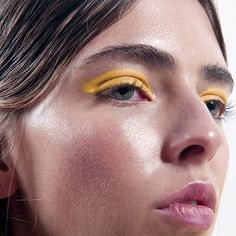 yellow eye make up Makeup Inspo, Makeup Art, Makeup Inspiration, Face Makeup, Makeup Ideas, Makeup Tips, Yellow Eye Makeup, Yellow Eyeshadow, Teal Makeup