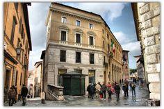 Il @consagrsi è una cooperativa formata dagli agricoltori delle provincie di Siena e Arezzo. Fondato nel 1901, sostiene l'agricoltura e valorizza le produzioni agricole del territorio anche attraverso la vendita di prodotti agro-alimentari nella propria rete di negozi. Trovi i prodotti Poggiolini Pasta Fresca in tutti i punti vendita del Consorzio.
