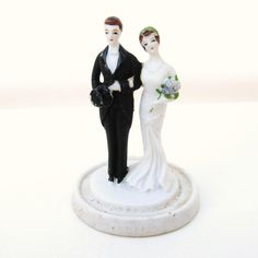 Vintage Wedding Ideas - vintage cake toppers | Glamour & Grace