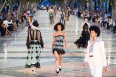 Karl Lagerfeld brought 700 guests — including Tilda Swinton — to Cuba for the presentation of his resort collection on Tuesday.