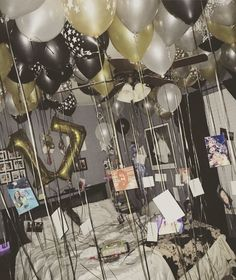 Room ideas, teen girl, Birthday balloons Happy birthday #17  My sisters 17th bday was a success!