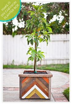 #DIY chevron-patterned reclaimed wood planter box!