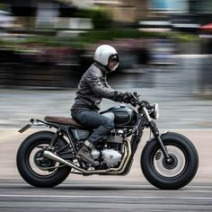"overboldmotorco: ""Dutch snapped riding to the Bike Shed HQ on his new Bonneville by We are all a bit jealous, and still can't find in which pocket he's hidden the keys. Triumph Cafe Racer, Triumph Bonneville Custom, Triumph Scrambler, Cafe Racer Bikes, Cafe Racer Motorcycle, Cool Motorcycles, Triumph Motorcycles, Cafe Racers, Bonneville Motorcycle"