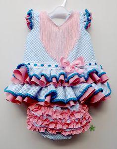 Traje de gitana flamenca para bebe realizado a mano por nuestras propias modistas. Consulta nuestra tienda online www.mibebesito.es Little Girl Dresses, Little Girls, Girls Dresses, Baby Dresses, Toddler Fashion, Baby Car Seats, Cute Babies, Kids Outfits, Sewing Patterns