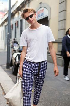 """justdropithere: """"Valters Medenis by Melodie Jeng - Milan Men's Fashion Week Street Style """" Modern Mens Fashion, Dope Fashion, Fashion Men, Kids Fashion, Fashion Tips, La Mode Masculine, Fashion Catalogue, Latest Fashion Clothes, Fashion Dresses"""