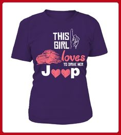 This girl loves to drive her Jeep Tee - Shirts für freundin mit herz (*Partner-Link)