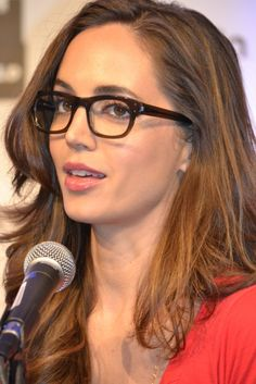 Eliza Dushku at Wizard world Con in New Orleans – Day Panel 2012