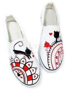 [€14,05] Weiße Handbemalte Schuhe mit verspieleten Katzen Mustern