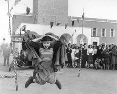 La strada  Un film di Federico Fellini. Con Anthony Quinn, Giulietta Masina, Richard Basehart, Aldo Silvani, Marcella Rovere.