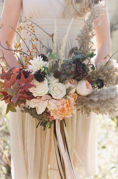 Rustic Autumnal wedding flower ideas
