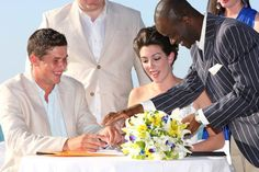 Experience Warmth and Friendliness at Your Bahamas Wedding Ceremony when You Book Our Bahamas Wedding Officiant - http://www.bahamas-destination-wedding.com/book-bahamas-wedding-officiant-today/
