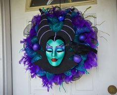 Maleficent Inspired Wreath (Deco Mesh or Vines)This would be AWESOME if the head was animatronic! Halloween Season, Holidays Halloween, Halloween Crafts, Halloween Wreaths, Halloween Stuff, Halloween Pumpkins, Maleficent, Holiday Wreaths, Holiday Crafts