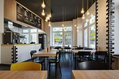 meat IN bun - Interior Design // Corporate Design // Burger Restaurant in Munich // Mery Reif // LOVA