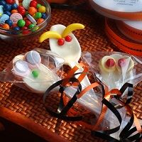 Spooktacular Spoons - These spoons are perfect for Halloween party bags or for handing out to trick-or-treaters.