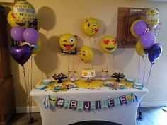 #emojibirthdayparty  #desserttable