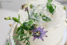 Passion fruit Flower cake decoration