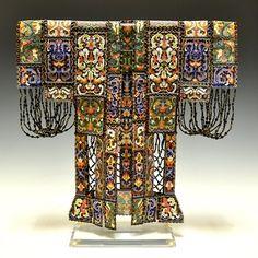 Sharmini Wirasekara. Kimono made entirely of beads.