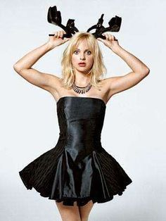 ANNA FARIS AGE: 32 CATCH HER IN: Observe and Report SCHTICK: Blond ambition (see: exec-producer credit on House Bunny); willing to tumble for ya in countless loose-limbed pratfalls Anna Faris, Interview, Hollywood Photo, Girl Humor, American Actress, Actors & Actresses, Female, Film, Celebrities