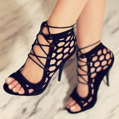 Shoespie Hexagon Cut Lace Up Sandals
