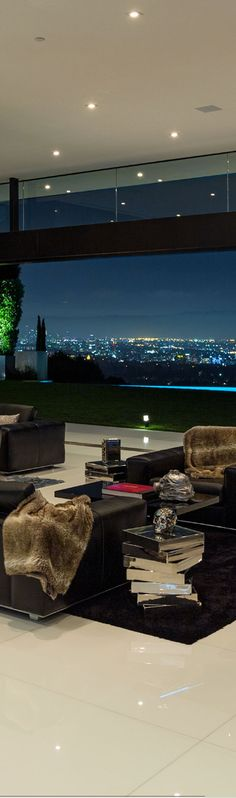 : 864 Stradella Road Bel-Air by Architect Paul McClean. Luxury Homes Interior, Home Interior Design, Interior And Exterior, Luxury Condo, Luxury Life, Luxury Living, Apartamento Penthouse, Beautiful Space, Beautiful Homes
