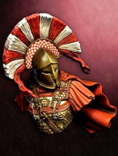 A pretty nice image of a crimson-cloaked Spartan warrior. Several assumptions… Sparta Warrior, Greek Warrior, Viking Warrior, Greek History, Ancient History, Sparta Helmet, Drow Male, Ancient Armor, Roman Warriors