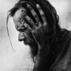 Photographer Lee Jeffries has shown that it's possible by taking very expressive portraits of people. But not just any kind of people; all of his models are homeless men, women and children that he has met in Europe and the United States. Lee Jeffries, Black And White Portraits, Black White Photos, Black And White Photography, People Photography, Image Photography, Portrait Photography, Amazing Photography, Black And White People