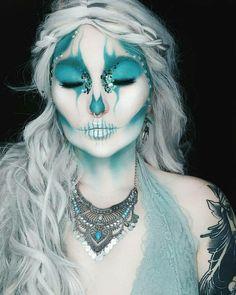 Frozen skull face paint - crazy make up - Makeup Makeup Fx, Skull Makeup, Cosplay Makeup, Costume Makeup, Face Paint Makeup, Dead Makeup, Beauty Makeup, Halloween Makeup Looks, Halloween Make Up