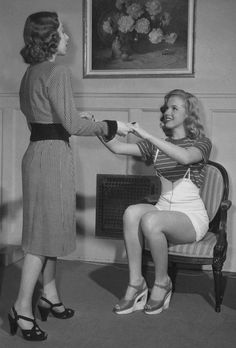 Marilyn Monroe and acting teacher Helena Sorell at work in 1947 <3