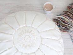 pouf blanco marroqui. moroccan pouf. dar amïna shop