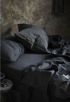 Dark linen sheets by Bedouin Societe