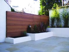 This is a very modern fence panel design, made by arranging strips of timber…