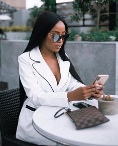 Classy Outfits, Chic Outfits, Fashion Outfits, Style Fashion, Wig With Closure, Bougie Black Girl, Mode Ootd, Luxury Lifestyle Women, Vetement Fashion