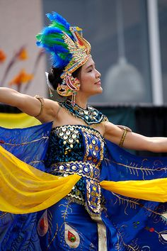#Beautiful Indonesian Dancer #Gown. #blue