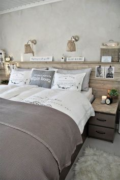 8 deco ideas for making a cheap headboard Bedroom Vintage, Modern Bedroom, Bedroom Decor, Awesome Bedrooms, My New Room, Cheap Home Decor, House Ideas, Headboard Ideas, Furniture