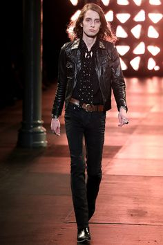 See all the Collection photos from Saint Laurent Spring/Summer 2015 Menswear now on British Vogue Mens Fashion Blazer, Mens Boots Fashion, K Fashion, Fashion Show, Fashion Design, Fashion Menswear, Fashion Studio, Runway Fashion, Fashion Ideas