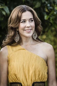 """HRH Crown Princess Mary of Denmark. The earrings are in portuguese filigree traditional Queen's style (""""brincos à rainha"""")."""