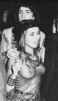 Talitha Getty and Prince Stash Klossowski de Rola at Studio 54 Hippie Man, Hippie Bohemian, Bohemian Style, Boho Chic, Talitha Getty, Vintage Outfits, Vintage Fashion, Studio 54, Pretty People