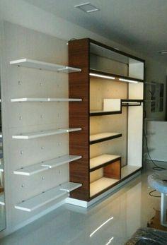 montaje de mobiliario comercial en Tenerife
