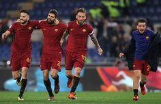 De Rossi and his teammates of AS Roma celebrate the victory after the Serie A match between AS Roma and SS Lazio at Stadio Olimpico on November 18, 2017 in Rome, Italy. - 147 of 243