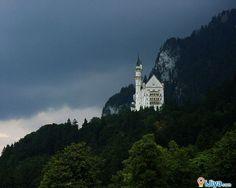 Neuschwanstein Castle, Munich, Germany   @ http://ijiya.com/8236436