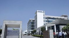 HCL Tech Q3 net up 3.6% at Rs. 1,683 crore IT services company HCL Technologies on Tuesday said its net profit for the third quarter ended March 31, 2015 stood at Rs. 1,683 crores registering a growth of 3.6 per cent when compared to the same period last year. The total revenue of India's fourth largest IT exporter for the period stood at Rs. 9, 267 crore reporting a growth of 11 per cent as against the same period last year.