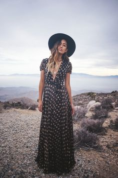 easy maxi dress with back wide brim hat